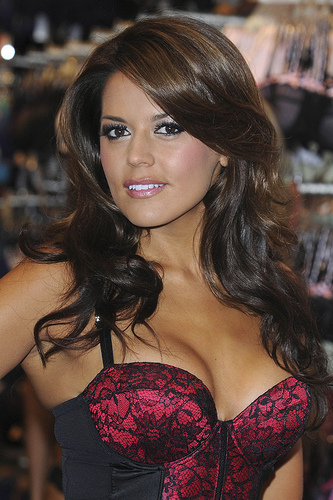Danielle Bux Photo 8 Gallery From