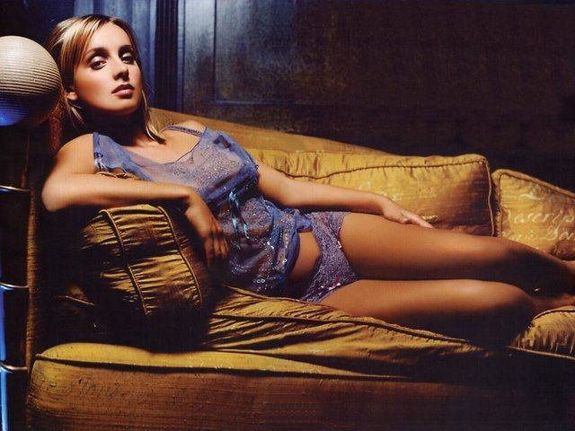 Louise Redknapp Photo 4 - Gallery from football.co.uk